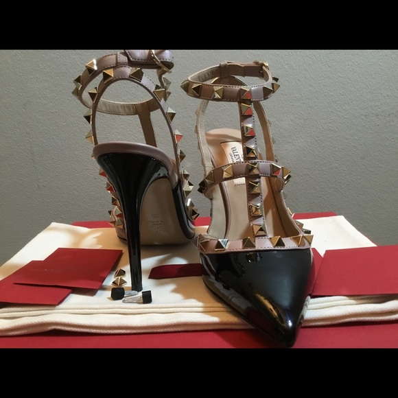Valentino Shoes - Brand new Valentino rockstud pumps